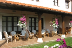 Porche del Hotel Rural El Texeu
