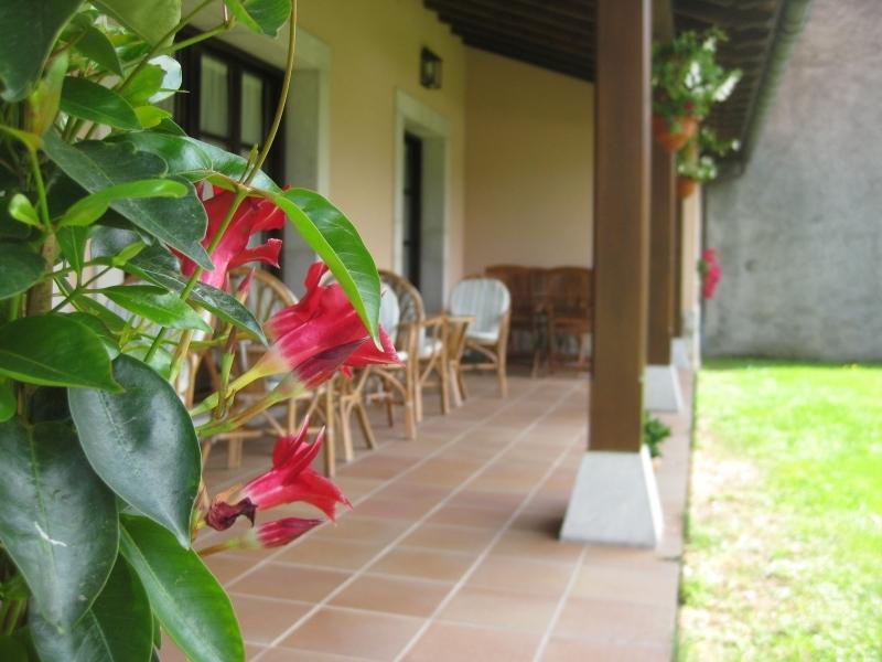 Detalle porche Hotel Rural El Texeu